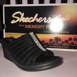 NWT Women's wedge heels with memory foam